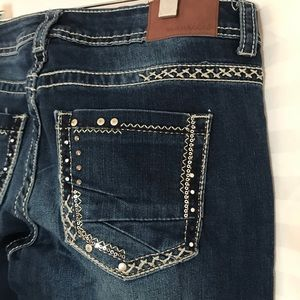 🛍3/$30 Maurices jeans 5/6 women's